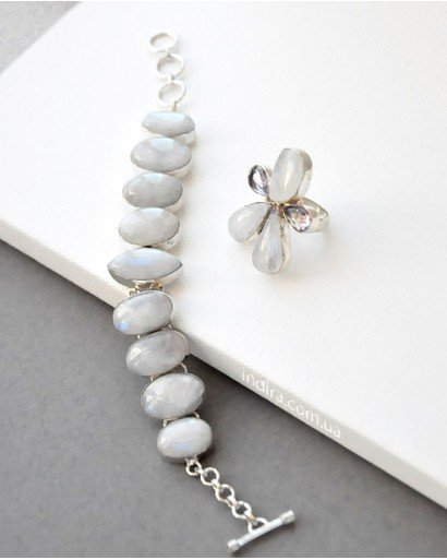 Moonstone necklace, bracelet and ring