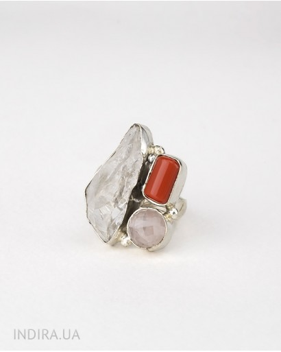 Кольцо с кораллом, розовым кварцем и друзой кварца