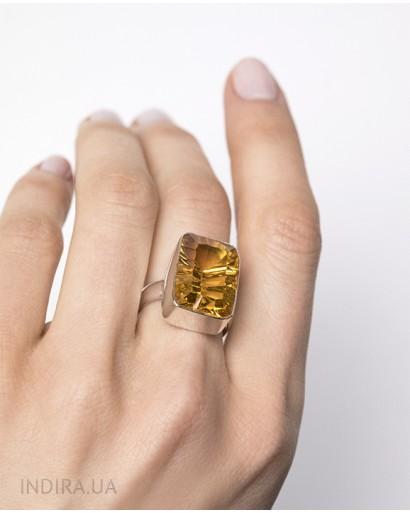 Кольцо с императорским топазом