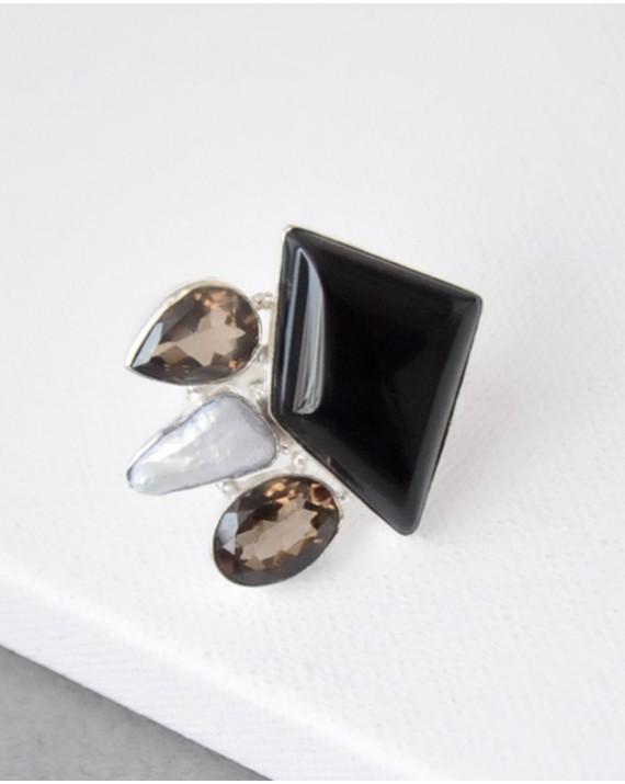 Кольцо с чёрным агатом, дымчатым кварцем и жемчугом