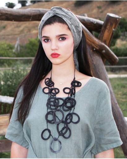 Ожерелье из эбенового дерева