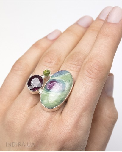 Zoisite, Ruby ​​and Chrysolite Ring