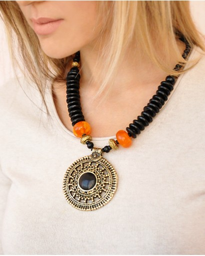 Necklace with a  big round pendant