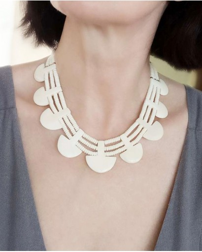 Ожерелье из кости